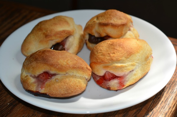 pillsbury-strawberry-chocolate-chip-biscuits