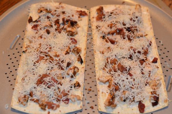 Chicken & Bacon Flatout Flatbread Pizza