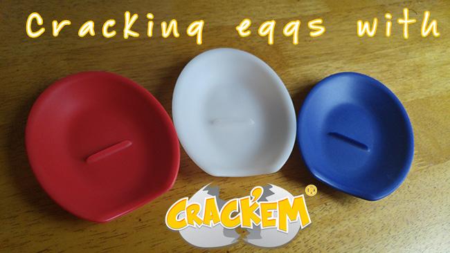 Crack'em - Kitchen gadget for cracking eggs + a spoon rest