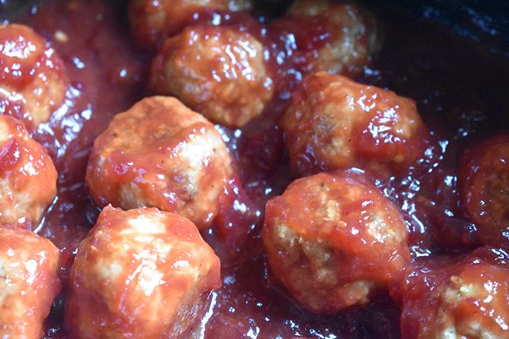 Ground Turkey Meatballs in Cranberry Sauce